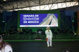 FOTO 29 YUCATAN EN MEXICO. SCRITOR RAFAEL CHAY ARZAPALO JUNIO 2014